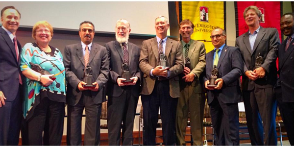 Professor Gary Girty receives 2014 Faculty Monty Award for College of Sciences