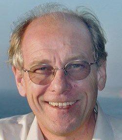 headshot of Steve Constable wearing glasses